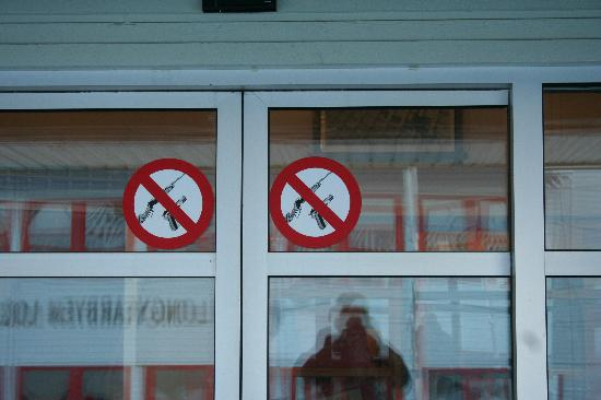 Svalbard, Norway: No gunns in Longyearbyen post office