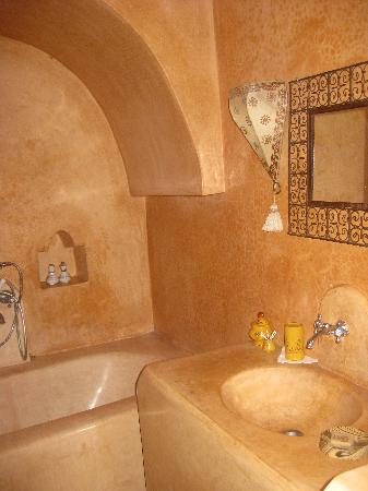 Dar Loulema : Bathroom