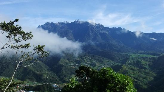 Mount Kinabalu Heritage Resort & Spa: The View Outside Chalet 14