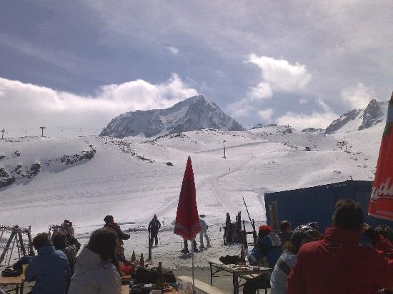 Pension Alpina Neustift: Snow on the glacier