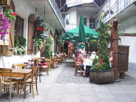 Hotel Major : Picturesque bar down side street
