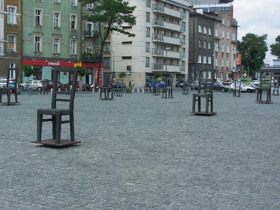 Hotel Major : Memorial Square to Krakow Ghetto victims