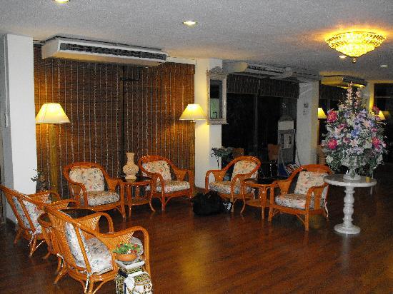 Jim's Lodge : lobby