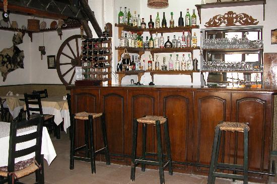 Nostalgia Hotel: restaurant bar