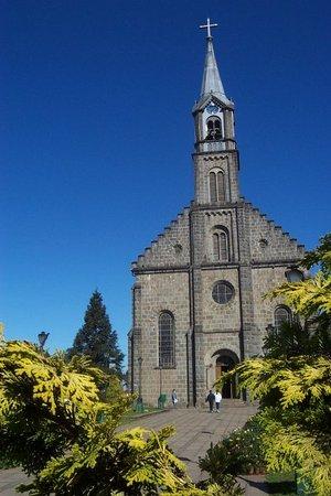 Грамаду: Stone Sao Pedro Church