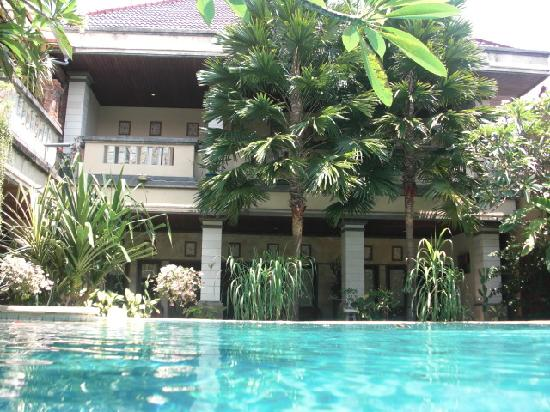 Maxi Hotel, Restaurant & Spa: Swiming Pool To rooms