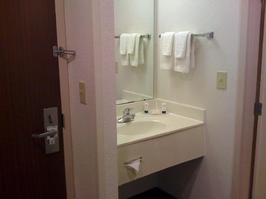 Fairfield Inn & Suites Fort Worth/Fossil Creek: King room with whirlpool tub