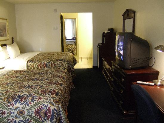 Best Western Inn: Room view 2