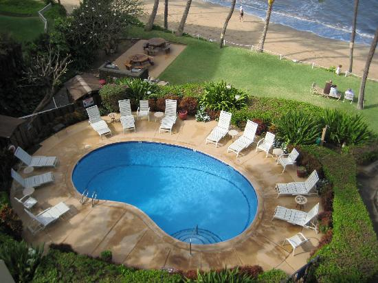 Kealia Resort: View of pool from Unit 201