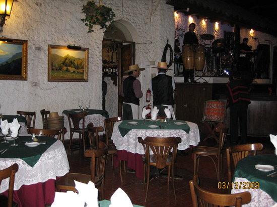 Los Adobes De Argomedo: Restaurant
