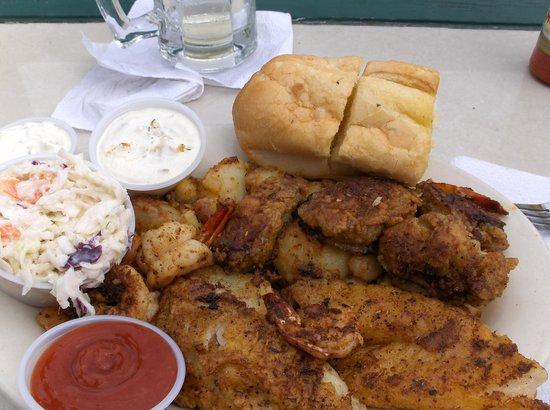 Benno's Cajun Seafood Restaurant: cajun seafood platter
