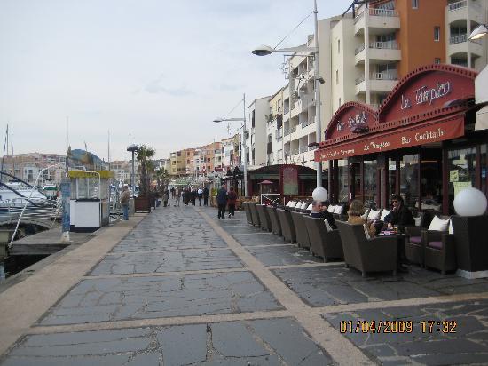 Hotel Azur : près du port