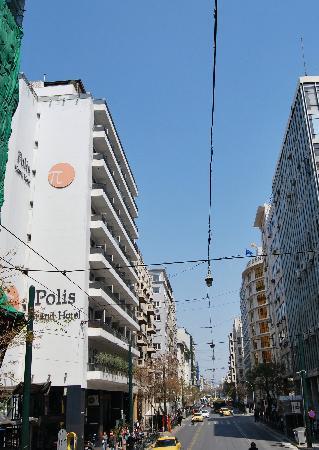 Polis Grand Hotel Vue De La Route