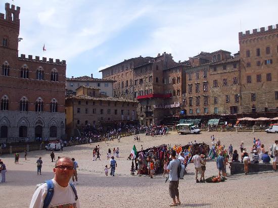 Siena, Italien: piazza del campo
