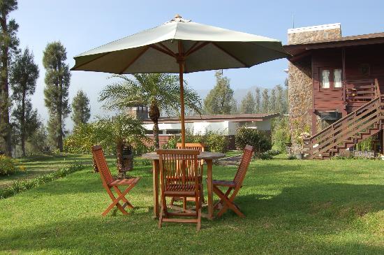 Sukapura, Indonesien: jardin del hotel