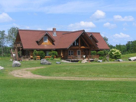 Palmquist's The Farm: White Pine Inn Lodge at Palmquist Farm