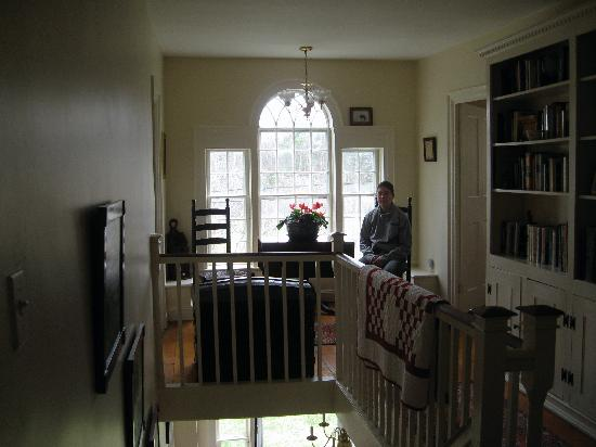 Ranney-Crawford House Bed and Breakfast: Upstairs Hallway with original windows
