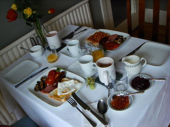Chestnut Villa: Our lovely english b'fast