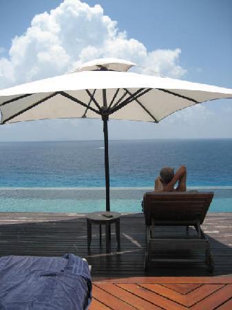 Fregate Island Private : Picture postcard view from the veranda