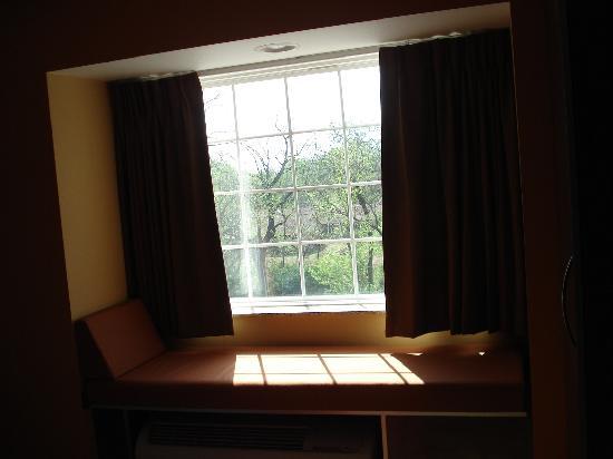 Microtel Inn & Suites by Wyndham Stillwater: window seat