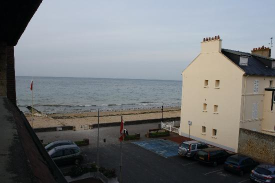 Le Clos Normand: View from the window at the side of the hotel