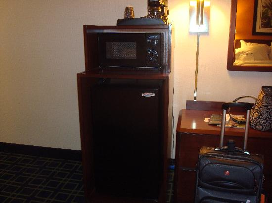 Motel 6 Milford: microwave and frig