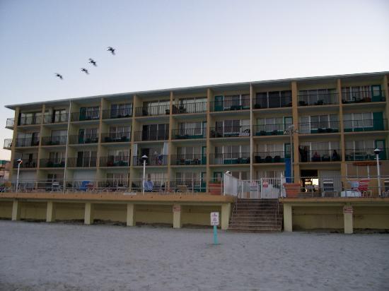 daytona inn beach resort neptunes sports pub and. Black Bedroom Furniture Sets. Home Design Ideas