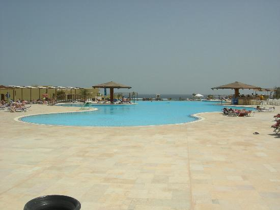 Three Corners Fayrouz Plaza Beach Resort: piscine