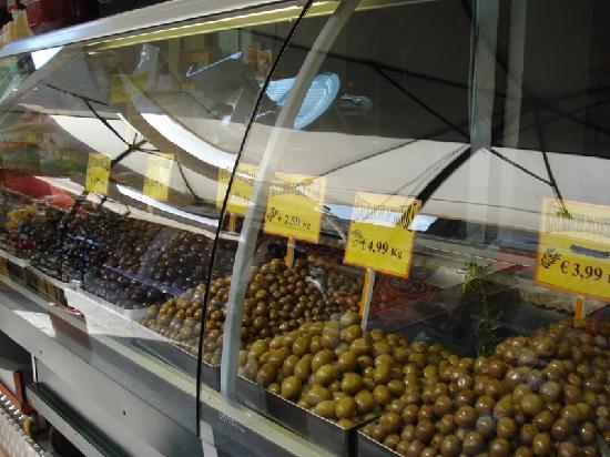 Mercato Ballarò : Ballarò - olive