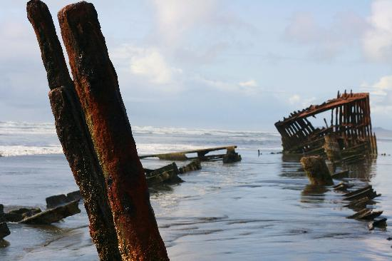 Astoria, OR: Shipwreck of Peter Iredale 2008-ish