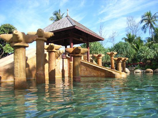 JW Marriott Phuket Resort & Spa : Childrens Pool Slide