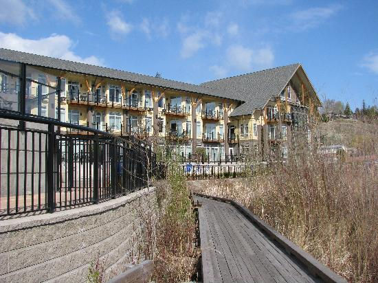 Summerland Waterfront Resort & Spa: SWR - View from Rear (lake side)