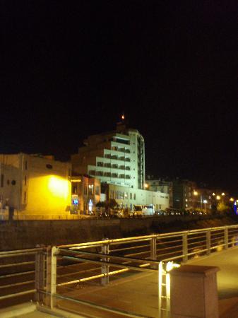 Buyuk Antakya : vista hotel dal fiume