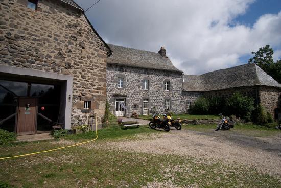 La Ferme de Moulhac: Front of the Farmhouse