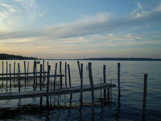 Mayville, Nova York: Sunset off the docks.