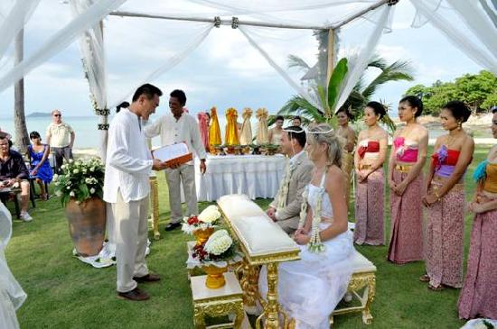 Phi Phi Island Village Beach Resort & Spa: Ceremony