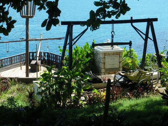Jamaica: ship