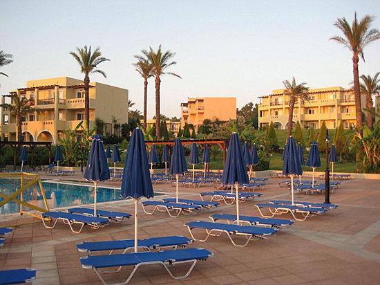 Horizon Beach Resort: piscina tranquilla