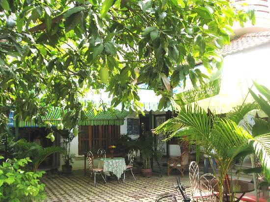 The ChangiVille: garden cafe