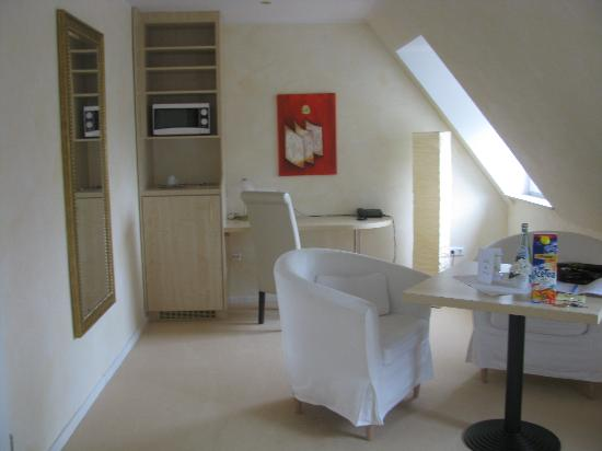 Air Hotel Royal Landstuhl: my room, partial view