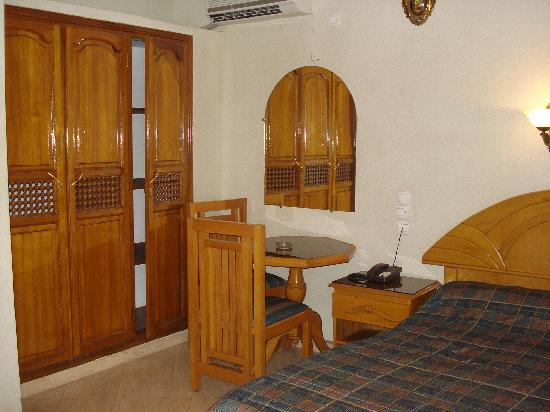 Hotel El Bahia: chambre