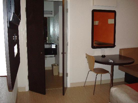 Motel 6 Santa Barbara - Goleta : Motel 6 Goleta - Room 133