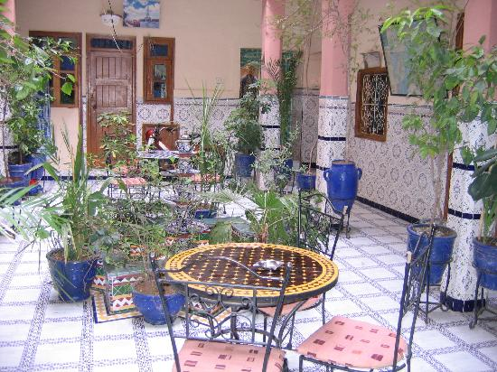 Hotel Imouzzer: patio