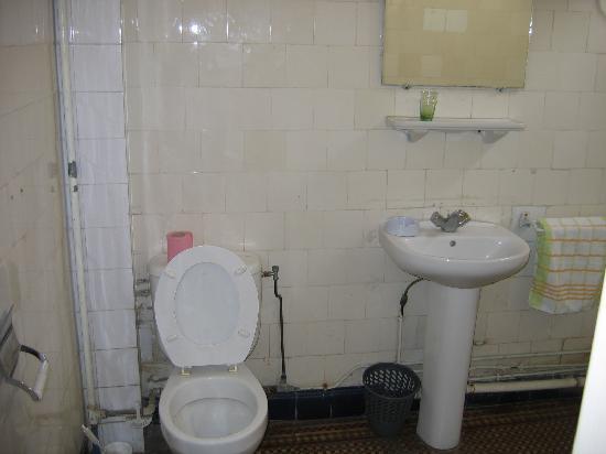Hotel Colbert : salle de bain