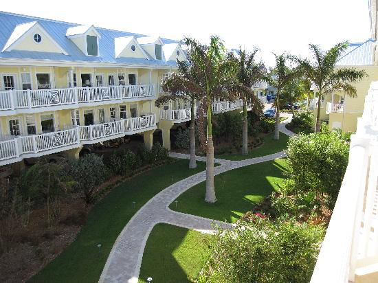 courtyard picture of southernmost beach resort key west. Black Bedroom Furniture Sets. Home Design Ideas