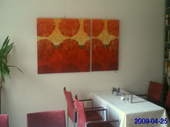 Elisabeth Hotel: Ein Tisch im Frühstücksraum