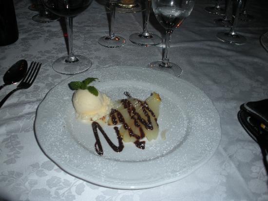 Cevoli di Lari, Italy: Dessert at Villa Delia