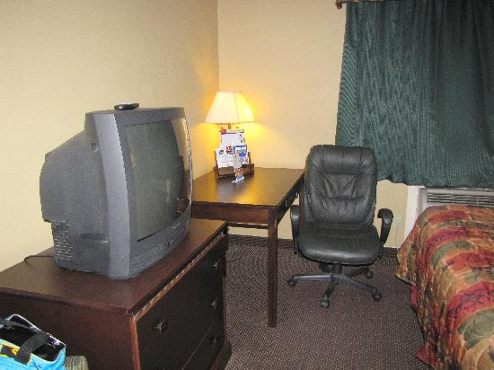 Best Western Plus Intercontinental Airport Inn : The desk area