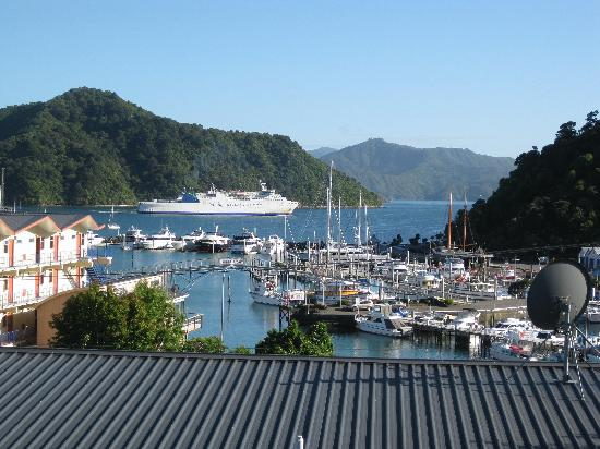 Harbour View Motel Picton: The Interislander from our studio