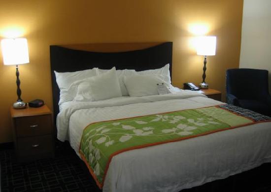 Fairfield Inn & Suites Carlisle: Bed